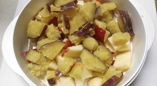 ホットケーキミックスで超~手軽!?サツマイモとリンゴの蒸しケーキ!