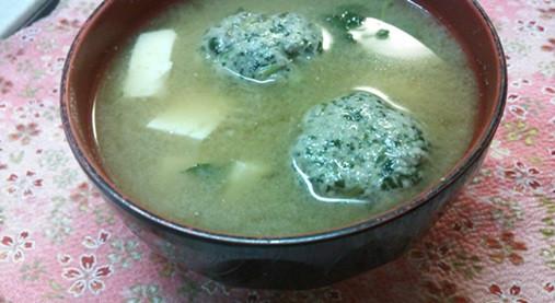 風味とだし汁がメッチャ美味い!?残りの刺身で柔らかつみれ汁(玉ねぎ氷)5