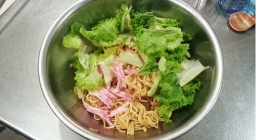 食感が楽しい大麦入り肉みそジャージャー麺!ゆで押し麦レシピ付10