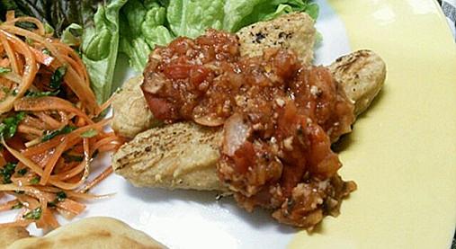 カロリーが低く美味し~いベジプレート!?大豆ウィンナー椎茸トマトソース12
