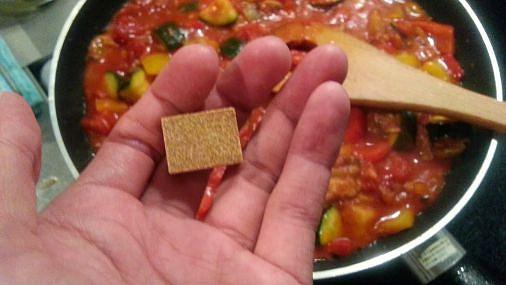 ツナとマッシュルームとズッキーニのトマトソーススパゲッティ8