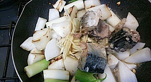 しょうがの女神サバ缶レシピ!?超~簡単サバ缶しょうが大根煮!9