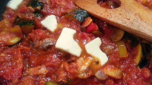 ツナとマッシュルームとズッキーニのトマトソーススパゲッティ10