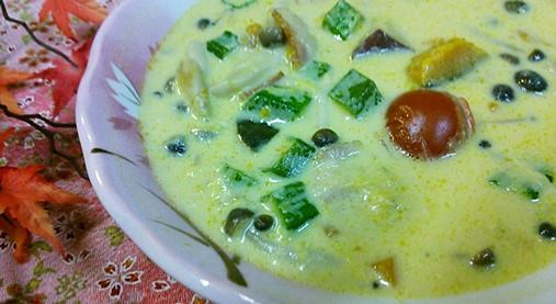 女性の体に優しい・豆乳スープ!?かぼちゃとさつま芋の白みそ仕立て!7