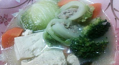 豚入り白菜ロールとブロッコリーのほっこりアツアツ鍋レシピ!11