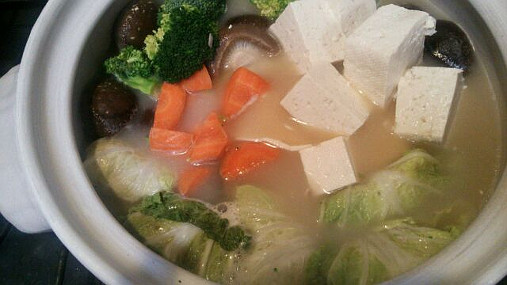 豚入り白菜ロールとブロッコリーのほっこりアツアツ鍋レシピ!9