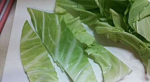 豚肉&野菜(きゃべつ・なす)の串ロール!?簡単おつまみの作り方!3
