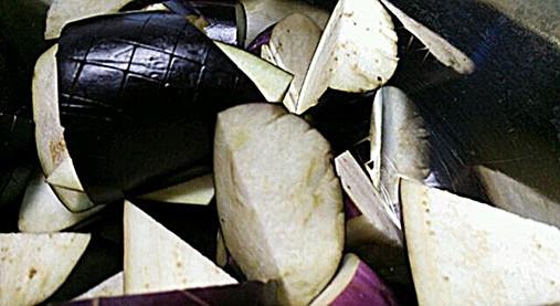 柔らか鶏ひき肉で美味しいナス炒め【ナスの中華風炒めレシピ】