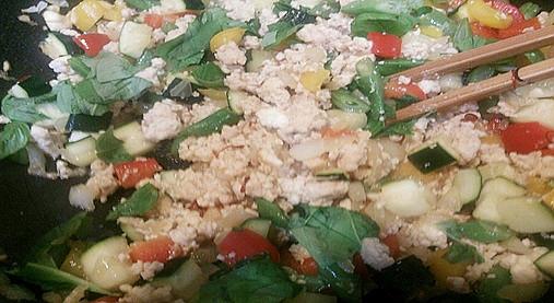 爽やかな風味~鶏のバジル炒めご飯!?ギャル曽根ダイエットレシピ!10