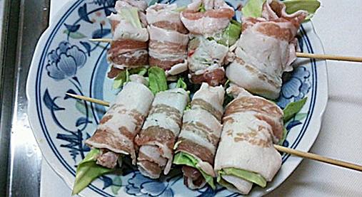 豚肉&野菜(きゃべつ・なす)の串ロール!?簡単おつまみの作り方!11