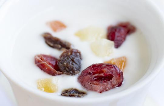 夜にヨーグルトを食べるだけダイエット!?小林式ルールと効果とは?