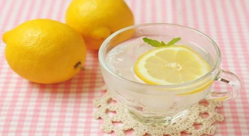 痩せている人は朝~なに飲んでるの!?ホットレモンや青汁のみ方と効果!2