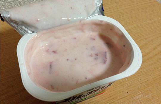 明治ブルガリアヨーグルト苺~春仕立て~脂肪ゼロ180g|味わい爽やか4