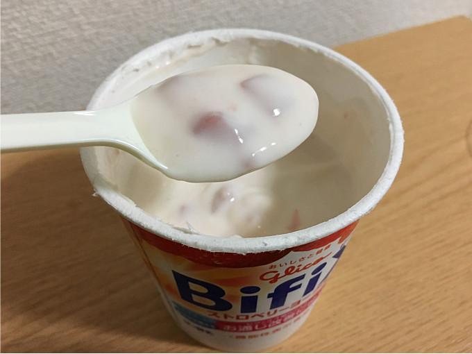 グリコ「BifiX-ストロベリーヨーグルト330g」←いちご果肉たっぷり脂肪ゼロヨーグルト6