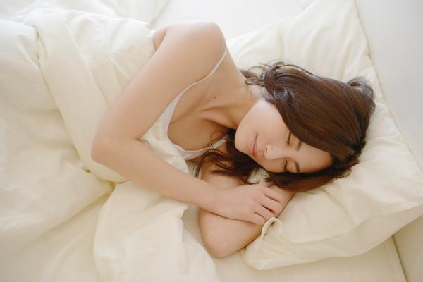 【安眠効果抜群】恵みヨーグルト×リンゴで不眠改善!?美肌効果もうれしいですね!