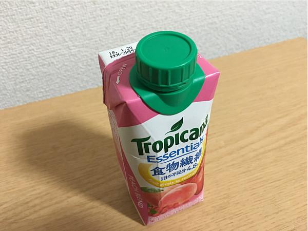 トロピカーナエッセンシャルズ食物繊維(ピーチブレンド)←飲みやすくおいしいね!2