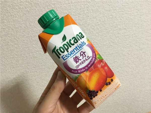 トロピカーナエッセンシャルズ鉄分(マンゴーブレンド)←飲んでみた