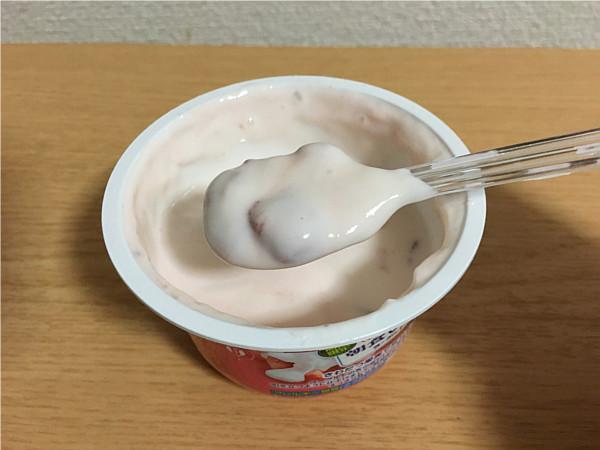 グリコ「朝食いちごヨーグルト」食べてみました5