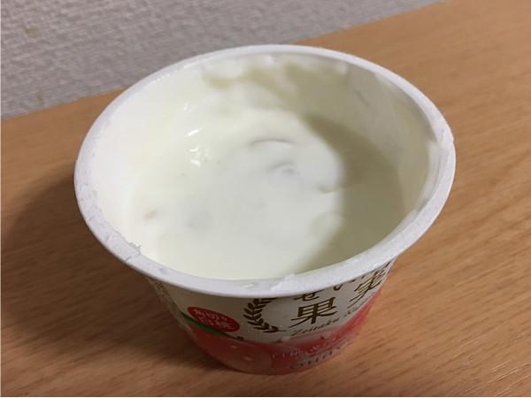 オハヨーぜいたく果実 白桃&ヨーグルト←果肉たっぷりで美味しいですね!5